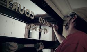Nick Garrett Gilding on Glass NGS London signwriting