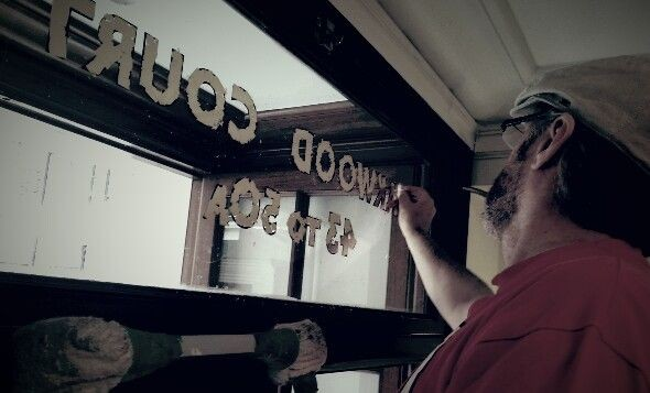 Nick Garrett Gilding on Glass NGS London signwriting