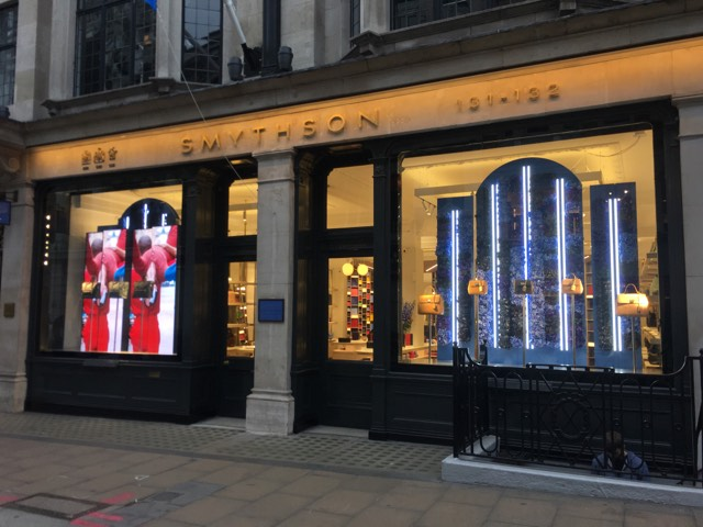 Smythson gilded window borders NGS London