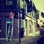 London Signwriter GU onsite with NGS
