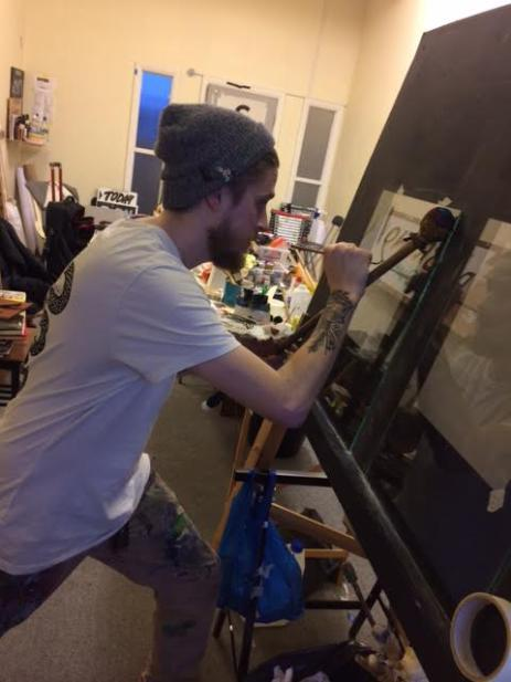 joey-coleman-learning-to-gild-at-ngs-signwriting-training-studio-london